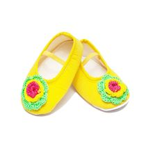 Dchica Chic Crochet Flower Shoes For Baby Girls,  yellow
