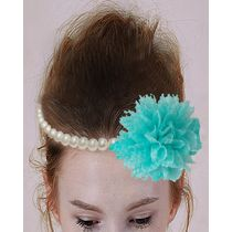 Dchica A crown on flower and beads for her crowning glory, white and blue
