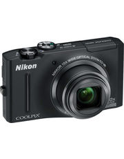 Nikon COOLPIX S8100+ Free 4 GB SD Card & Pouch