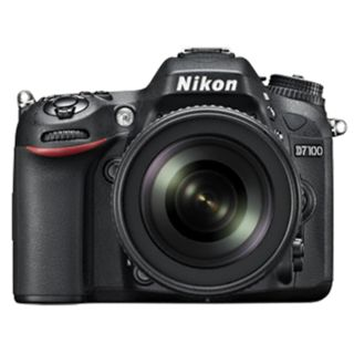 Nikon D7100 (with AF-S 18-140mm VR Kit Lens)