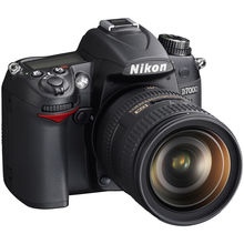 Nikon D7000 DSLR (with AF-S 18-105mm VR Kit Lens),  black