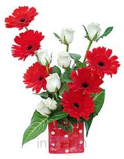 Natural Gerbera N Roses In Glass Vase Flower