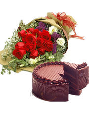 Chocolate Cake With Rose Bunch
