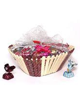 Hoglatto Nuts Assorted basket of chocolates - 1000 gm
