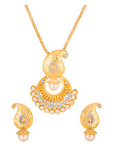Voylla Gold Toned Pendant Set Embellished With CZ & Pearls-SCBOM23170