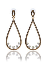 Svvelte Gold toned earings in Tear Drop shape with Swarovksi elements