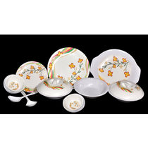 My Kitchen Melamine Dinner Set of 32 Pcs LE MYK 006