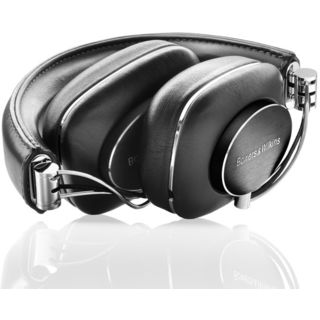 Bowers-&-Wilkins-P7-over-the-ear-Headphone